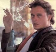 Den følsomme unge Klaus K. med cerut kigger livstræt i kameraet
